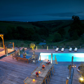 Indoor and outdoor pool, hot tub and hammam