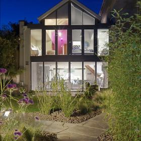 Living Spaces & Gardens