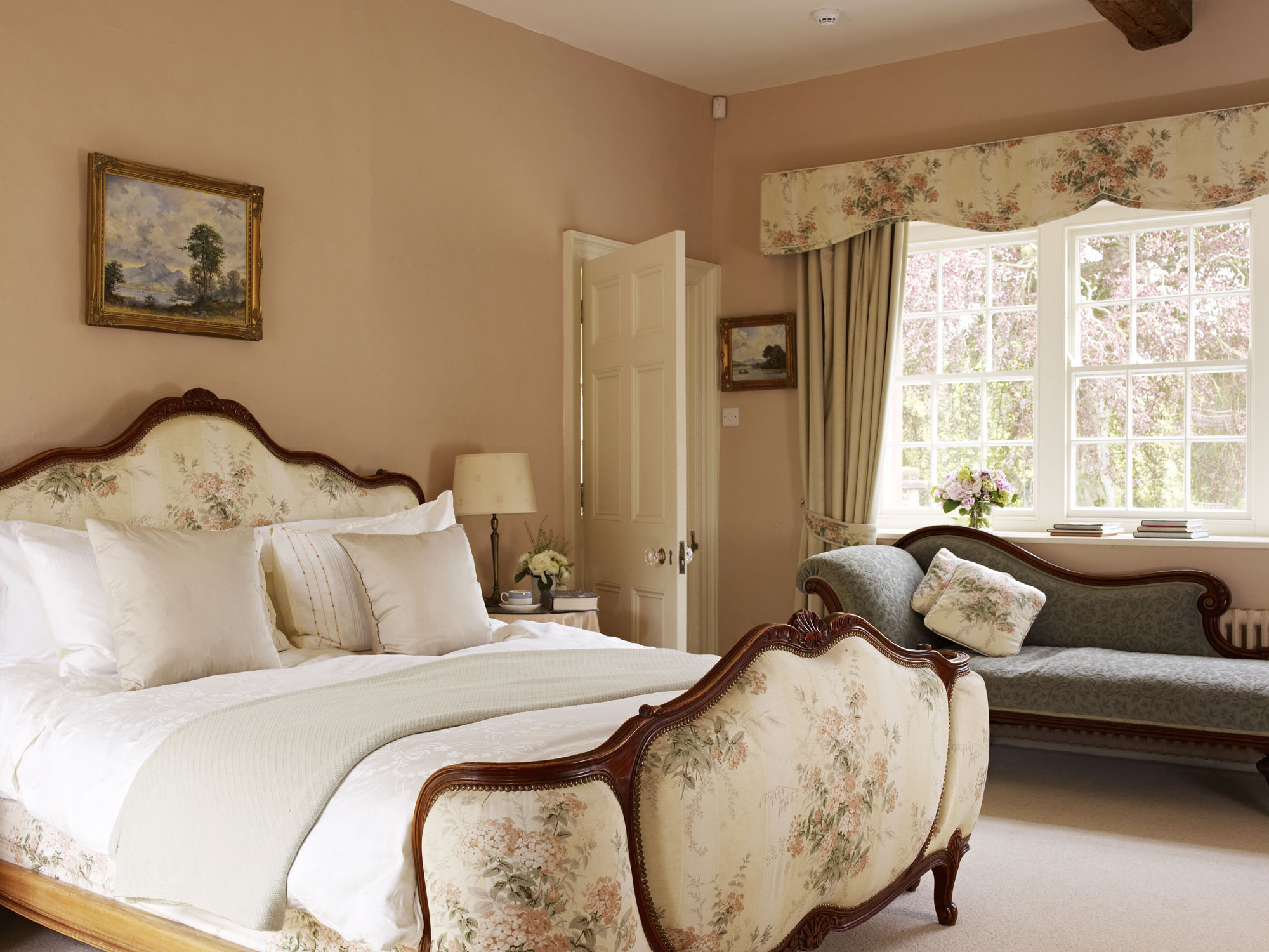 Melmerby hall 4 kate tom 39 s for Bedroom designs with attached bathroom and dressing room