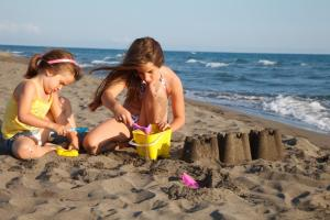 NatCorn | Petition launched against nude family swim at