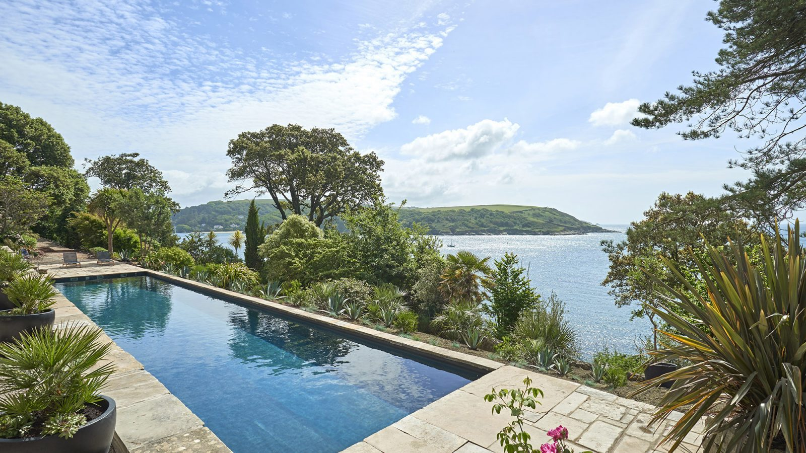 The moult kate tom 39 s for Lake district cottages with swimming pool