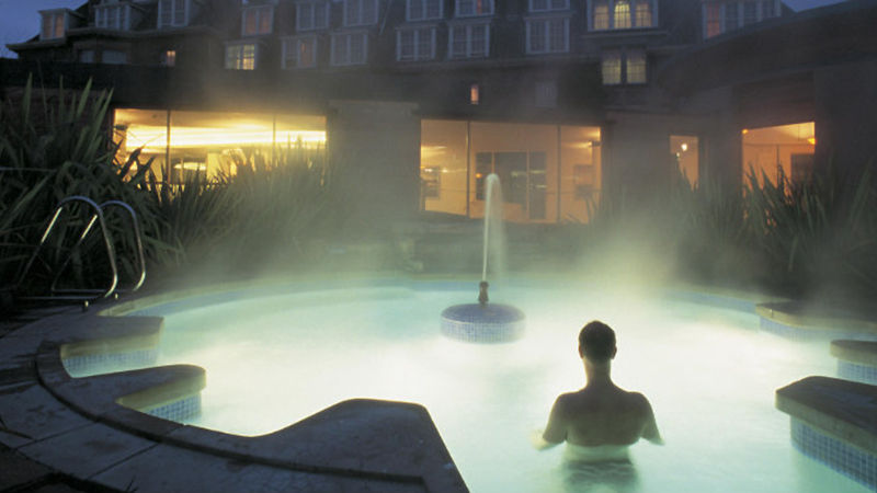 Sensational Top 10 Recommended Spas Beutiful Home Inspiration Aditmahrainfo