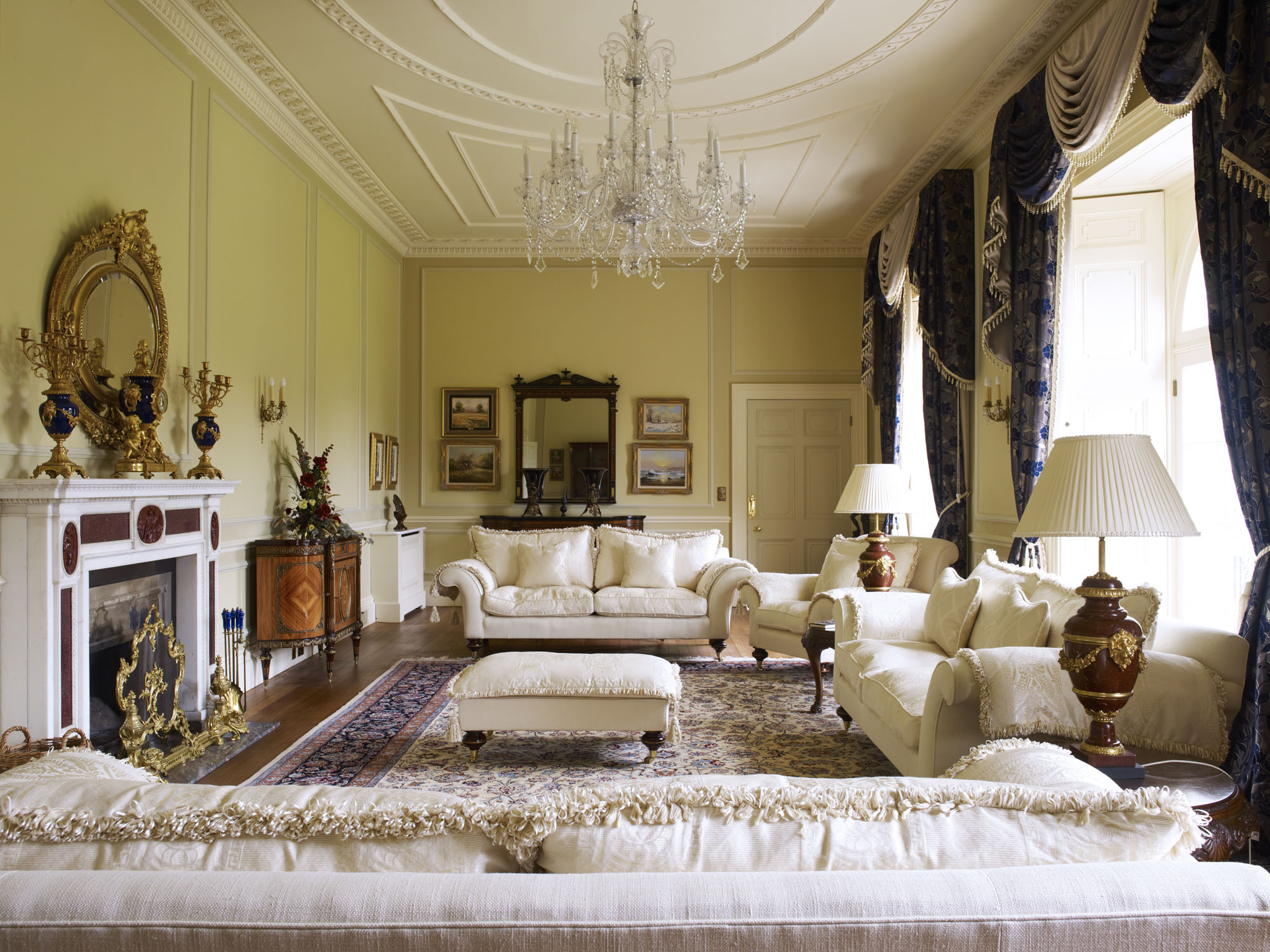 Stately home interiors for Home interiors decor