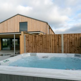 Hot Tub, Gardens and grounds