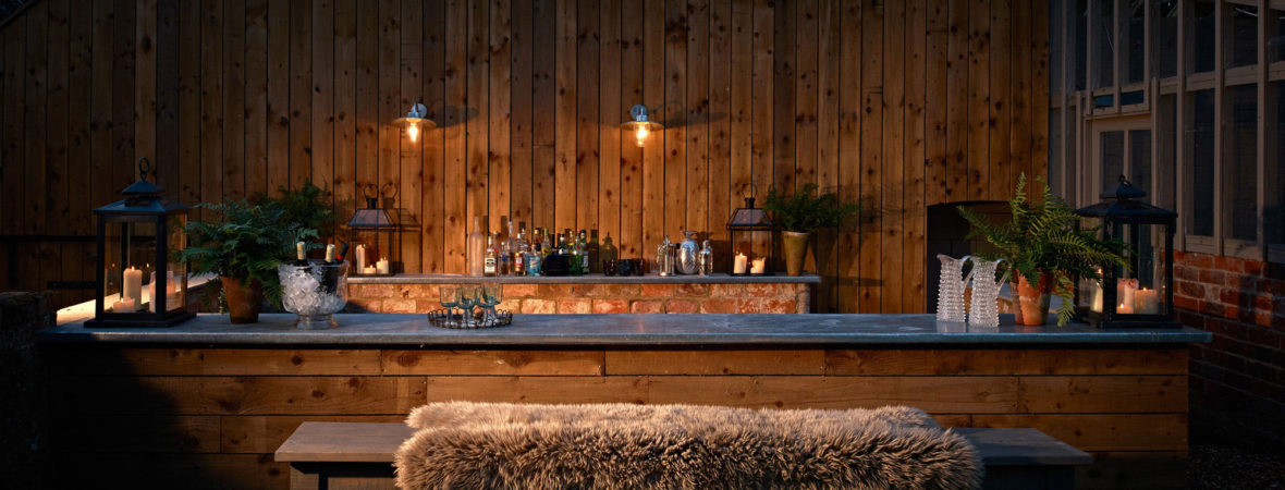 Impressive Houses with Private Bars - Kate & Tom\'s