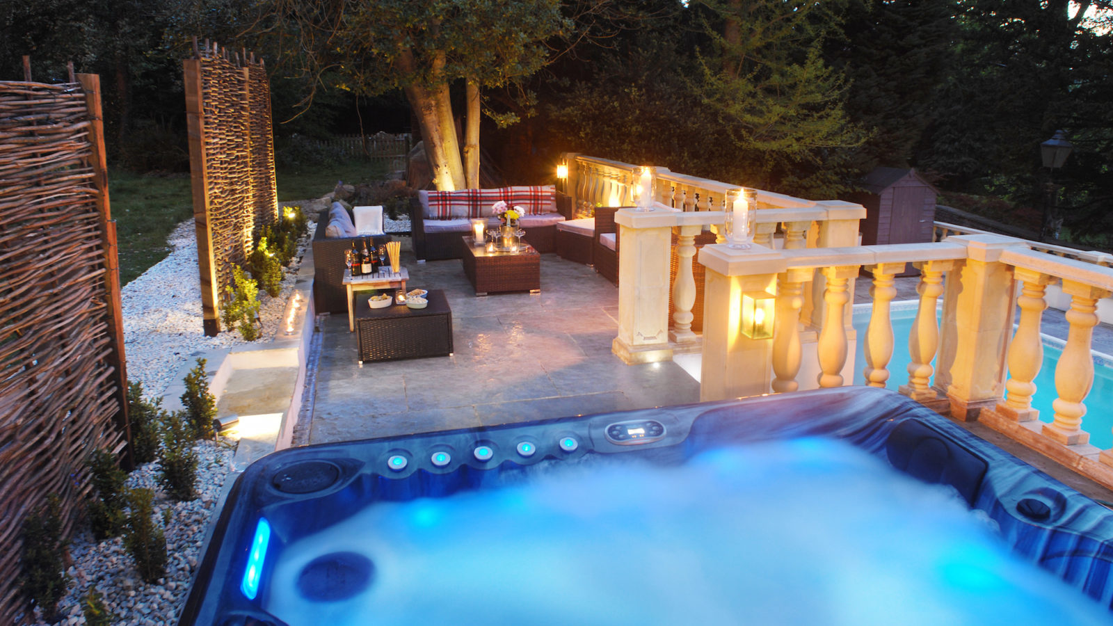 Party houses weekend party houses - Hen party houses with swimming pool ...