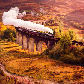 Steam Train is crossing the Glenfiann Viaduct.