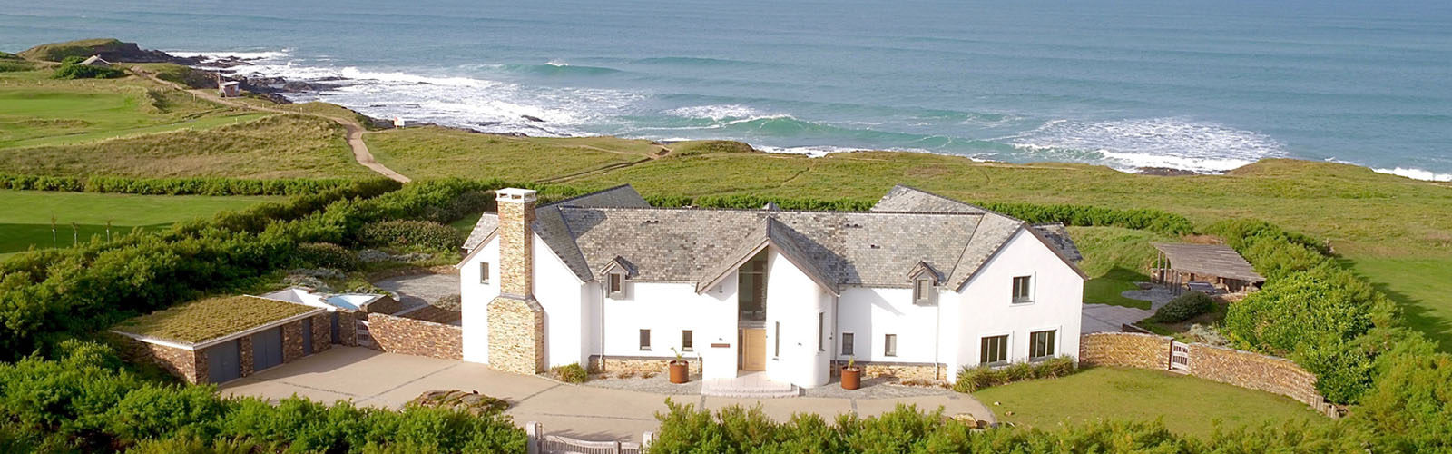 Luxury coastal holiday cottage by the sea.