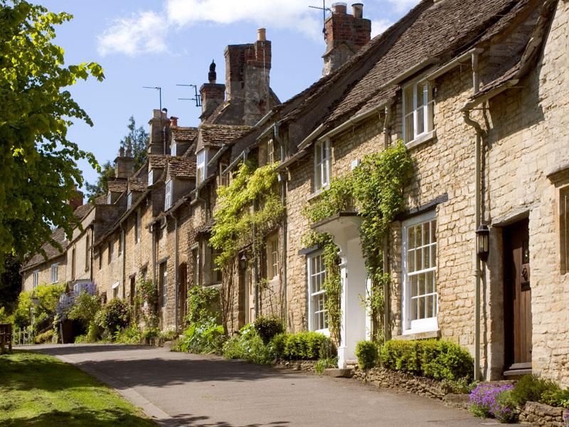 Burford, street scene, Oxfordshire