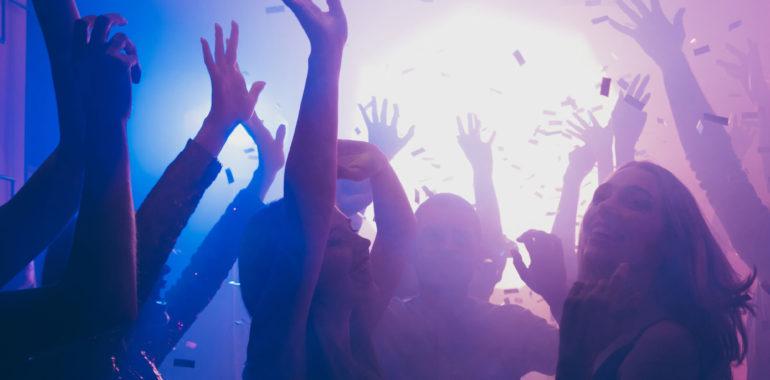 People dancing in a Nightclub!
