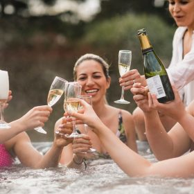 Hot tub holiday cottages